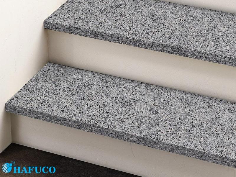 Gạch granite ốp lát cầu thang